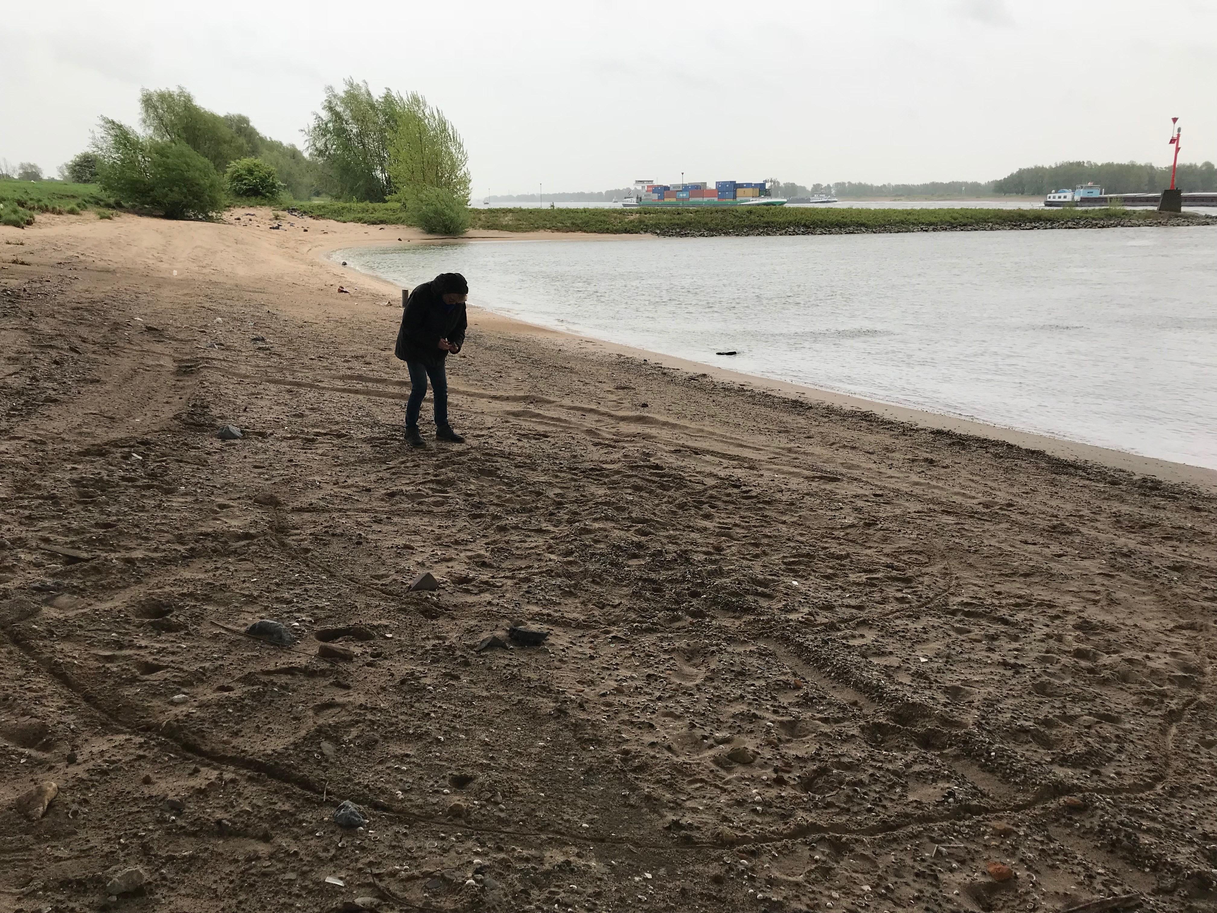 Lifeffullness Coaching Een cyclisch ontwikkelproces schrijven als cirkels in het zand