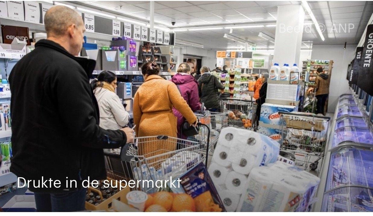Corona - drukte in supermarkt